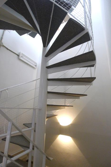 通所型施設内階段